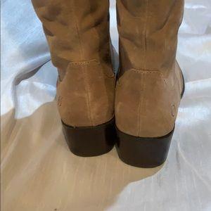 Born Shoes - Born pull on boots no zipper 8 1/2 M